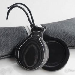 Castañuela de tela negra veteada