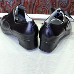 Zapatos negros tacón medio